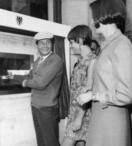 Barclays Bank, Enfield, north London, June 1967, Reg Varney, TV comedy star, first person in the world to use a cash machine