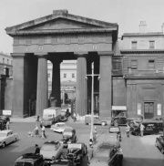 euston arch, london, british transport commission, demolition