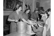 school dinners, fulham, central kitchsnslondon county council