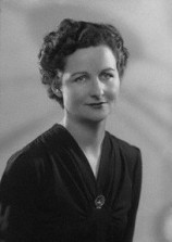 nancy mitford, mitford sisters, bright young people, pursuit of love, u and non-u